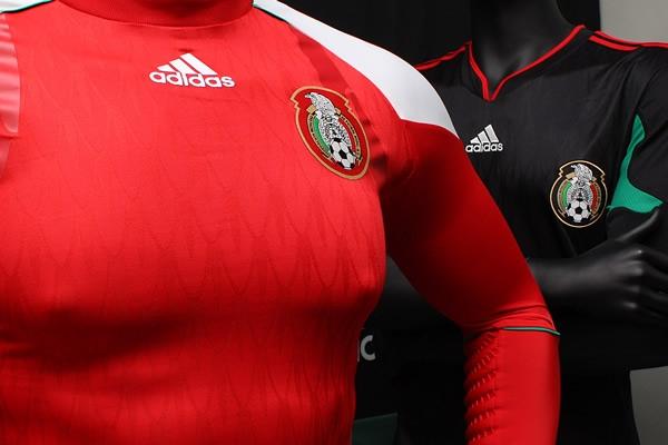 La playera negra de la selección mexicana para Sudáfrica 2010 ... e4144dc597003