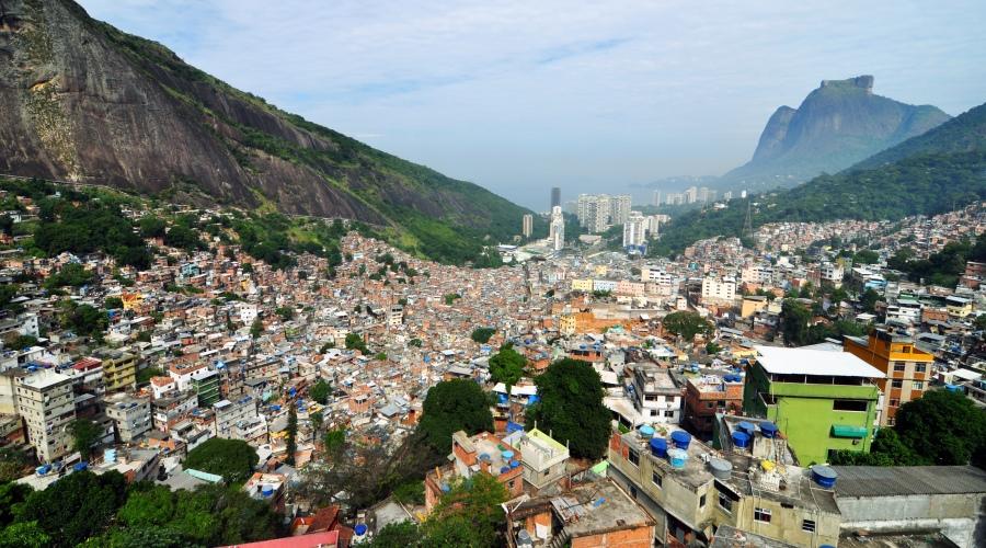 Rocinha_rio_de_janeiro_panorama_2010