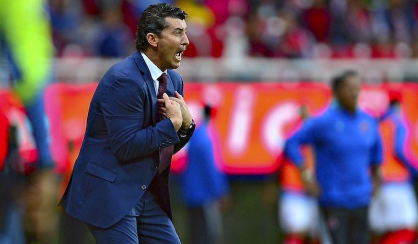 El 'Chepo' fue despedido como DT de Chivas este lunes. (Mexsport)