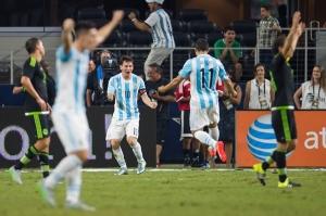 Messi empató el partido al 88' a pase de Agüero. (Mexsport)